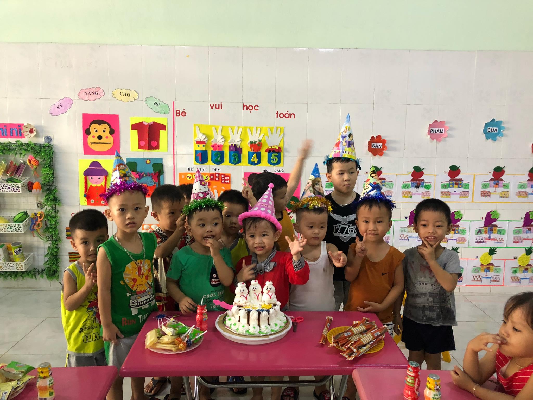 Sinh nhật các bé lớp Bé 1